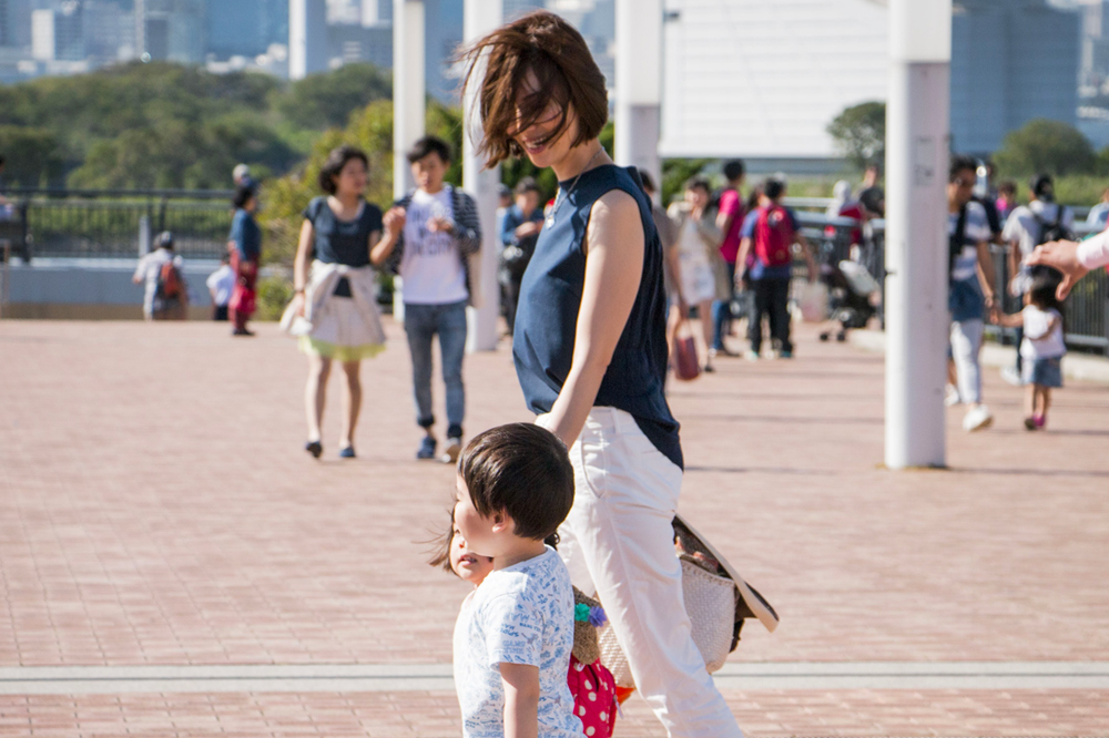 Young japanese mother